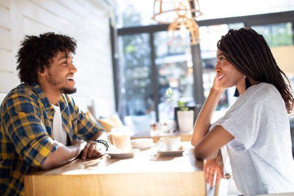 5 façons d'être pleinement présent à une date
