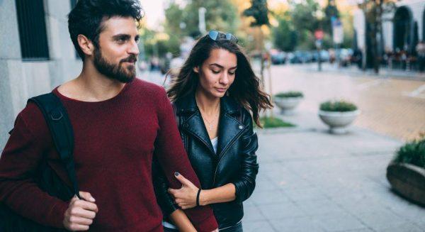 Comment les styles d'attachement précoces peuvent influencer les relations ultérieures